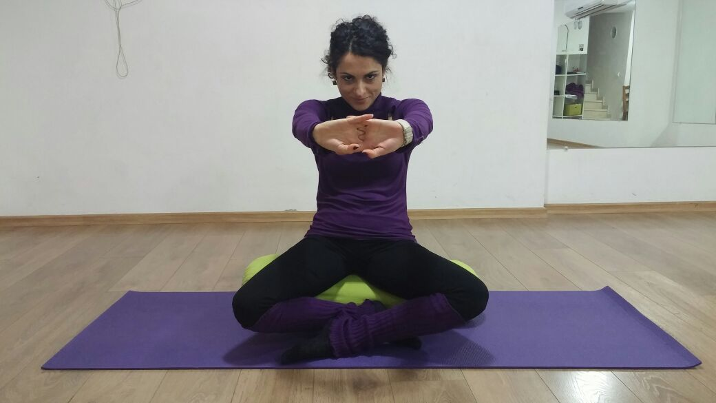 כאבי גב אחרי יום קשה? תשקיע 15 דקות בתרגילים שיעזרו לך!